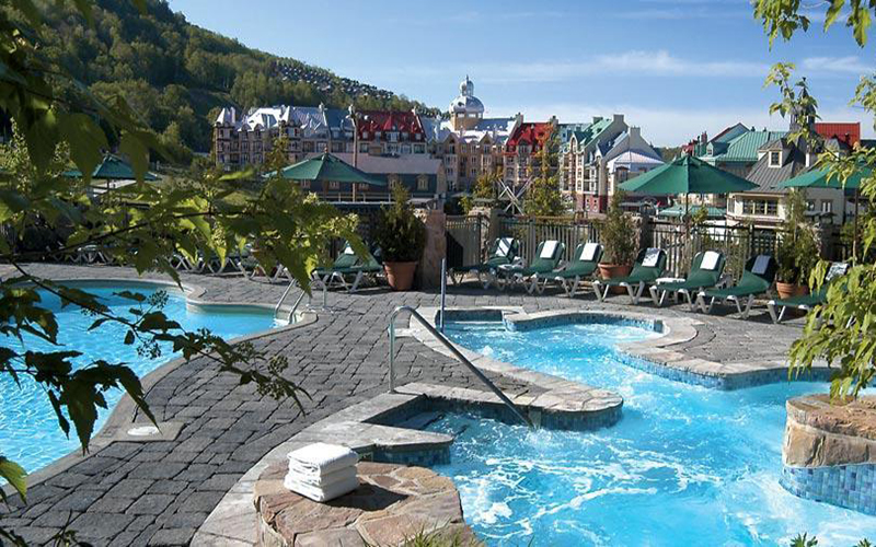 Fairmont Tremblant hotel - pool
