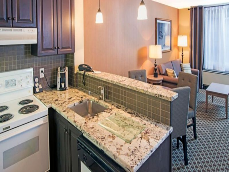 holiday-inn-express-and-suites-mont-tremblant-3347732288-2x1